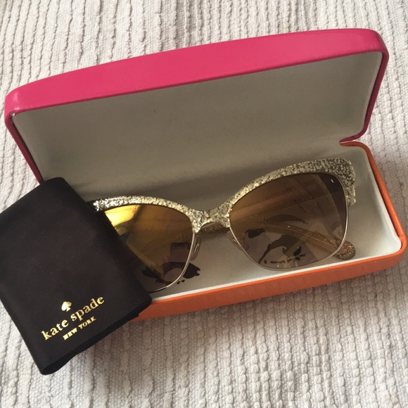 e1be52538e999 kate spade Accessories - Kate Spade Shira sunglasses